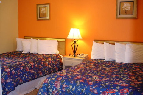 Los Padres Inn - Guest Room