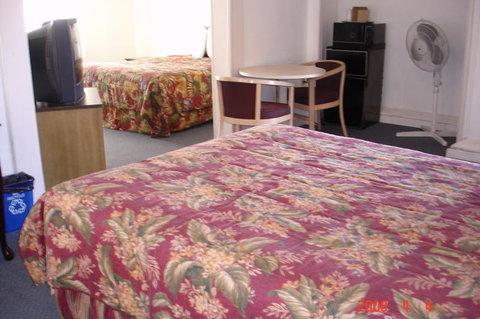 Los Padres Inn - Two Bedroom