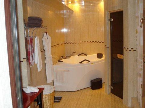 Crown Hotel Baku - Bathroom  OpenTravel Alliance - Guest room amenity