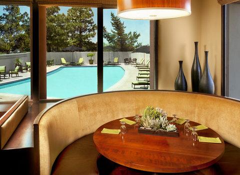Sheraton Albuquerque Airport Hotel - Rojo Restaurant