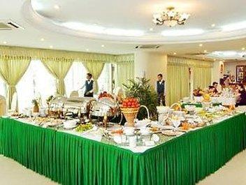 Bamboo Green Central Hotel - Buffet