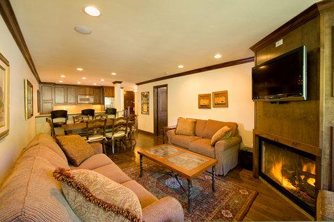 Vail's Mountain Haus - 1 Bedroom Valleyside