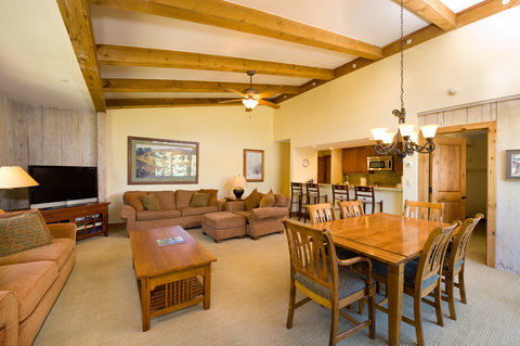 Vail's Mountain Haus - 3 Bedroom Valleyside Penthouse