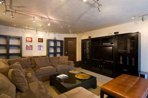 Vail's Mountain Haus - 3 Bedroom Valleyside