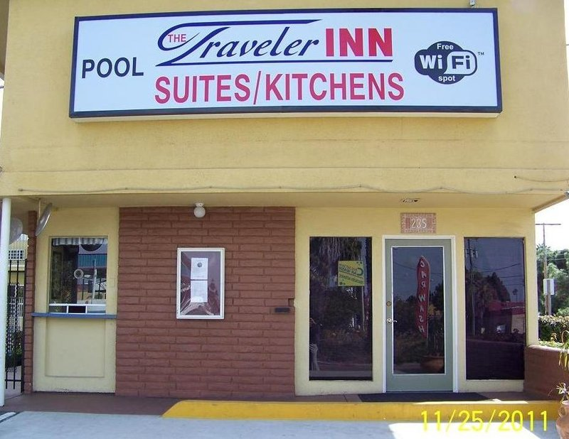 Travelodge Inn &amp; Suites