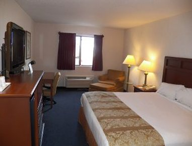 Baymont Inn & Suites Boone - Accessible Queen Room