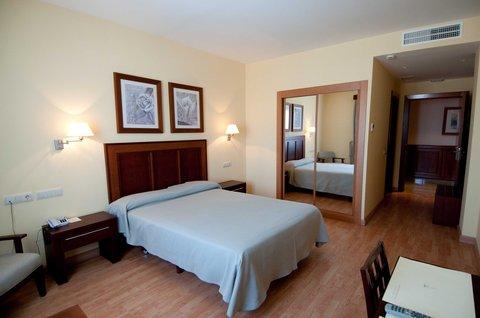Santiago Leon - Room