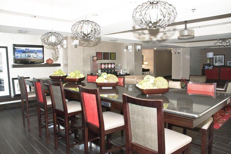 Hampton Inn Maumelle 餐饮设施
