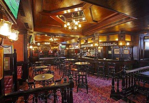 فندق ماريوت القاهرة و كازينو عمر الخيام - Harry s Pub Marriott Cairo hotel