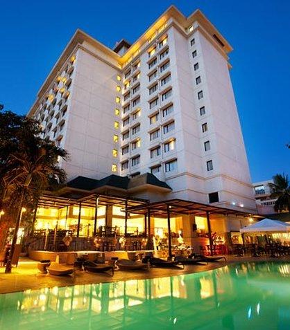 Cebu City Marriott Hotel - Exterior   Pool View
