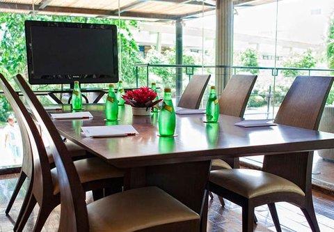 Cebu City Marriott Hotel - Palm Lounge Meeting Space