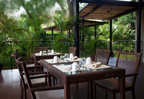Cebu City Marriott Hotel - Al Fresco Dining