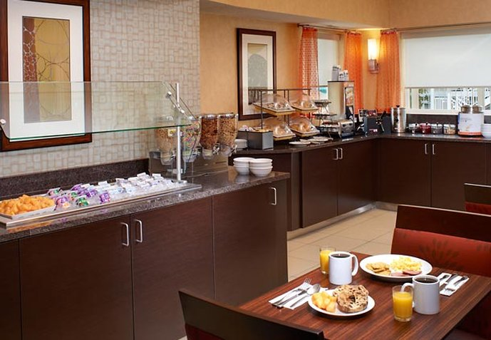 Residence Inn by Marriott Chicago Lombard Gastronomia