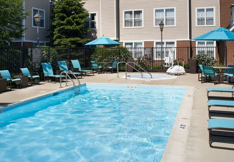 Residence Inn Chicago Waukegan/Gurnee - Outdoor Pool   Whirlpool