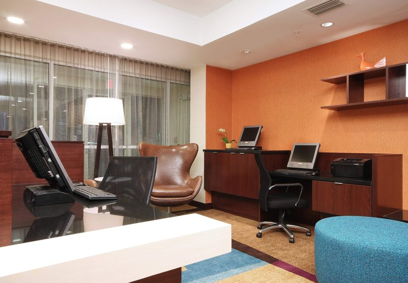 Fairfield Inn by Marriott Las Colinas Diğer