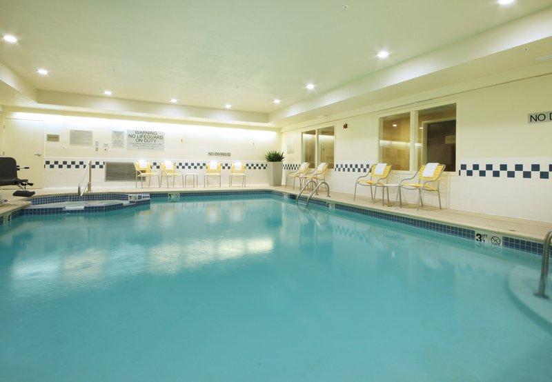 Fairfield Inn by Marriott Las Colinas Fitness salonu
