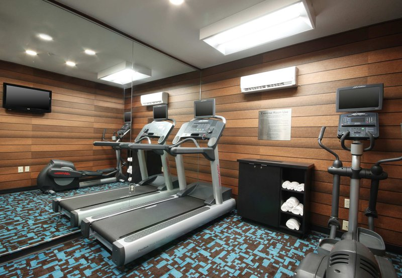 Fairfield Inn by Marriott Las Colinas Fitness salonu