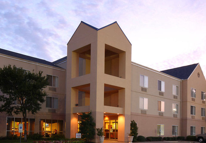 Fairfield Inn and Suites by Marriott Dallas Market Center Pohled zvenku