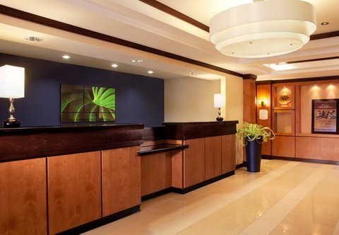 Fairfield Inn & Suites Des Moines Airport - Front Desk