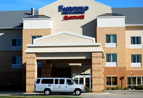 Fairfield Inn & Suites Des Moines Airport - Shuttle Service