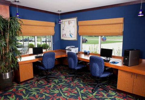 Fairfield Inn & Suites Des Moines Airport - Business Center