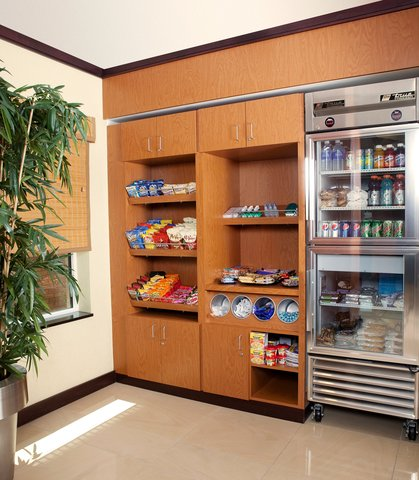 Fairfield Inn & Suites Des Moines Airport - The Market
