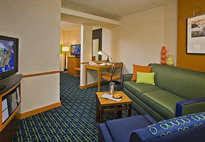 Fairfield Inn & Suites Spokane Downtown - King Suite