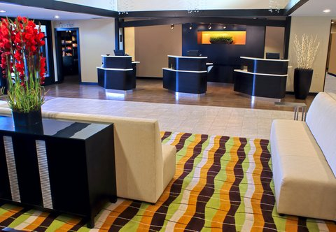Courtyard by Marriott Old Pasadena - Welcome Pedestals