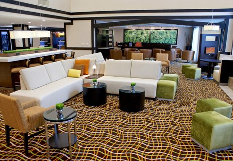 Courtyard by Marriott Old Pasadena - Lobby Sitting Area