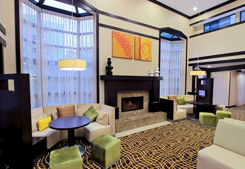Courtyard by Marriott Old Pasadena - Lobby Fireplace