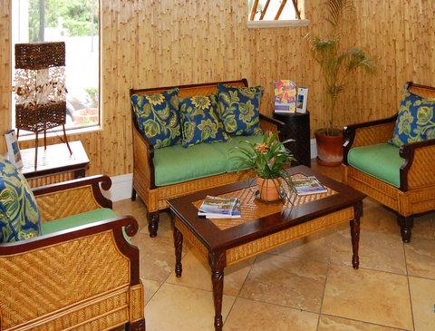 BEST WESTERN PLUS Oceanside Inn - Lobby