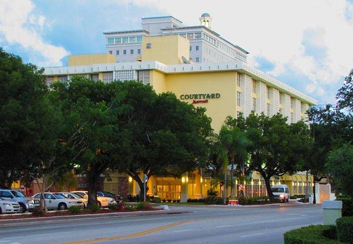 Courtyard Miami Coral Gables Dış görünüş