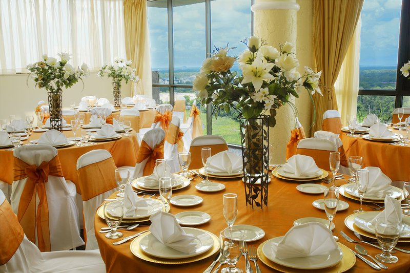 Toppers_-_banquet_hall_3_p