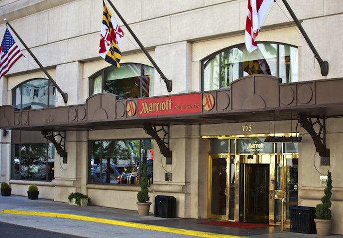 Marriott at Metro Center Set udefra