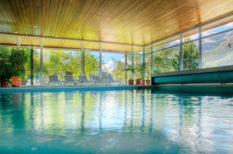 Sunstar Wengen Hotel - Sunstar Hotel Wengen Pool Hallenbad Sommer