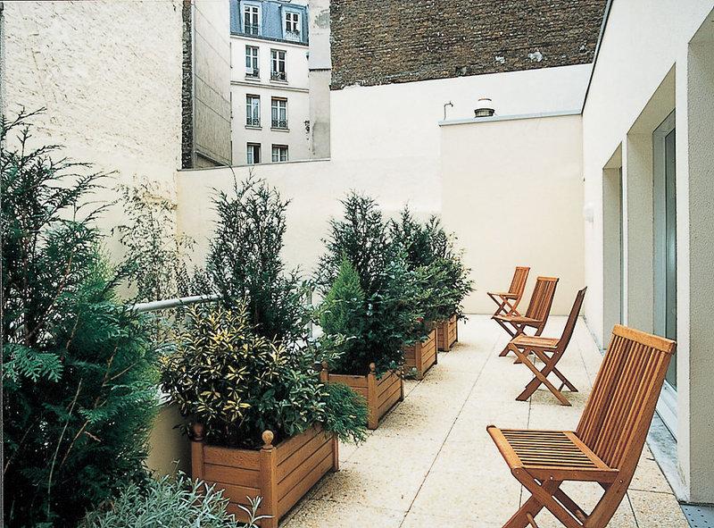 Holiday Inn Garden Court Paris-Montmartre Außenansicht