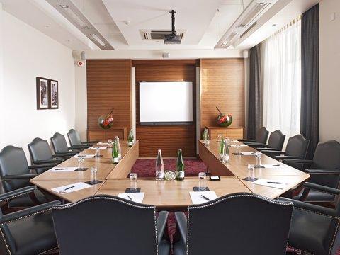 ذا غروفنور - The Scotsman Boardroom