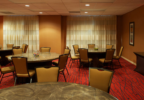 Residence Inn Atlanta Buckhead/Lenox Park - Lenox Room   Social Setup