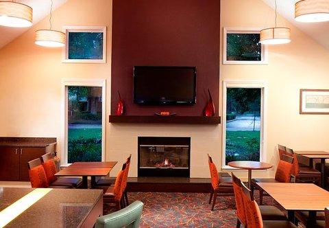 Residence Inn by Marriott Jacksonville Baymeadows - The Gatehouse