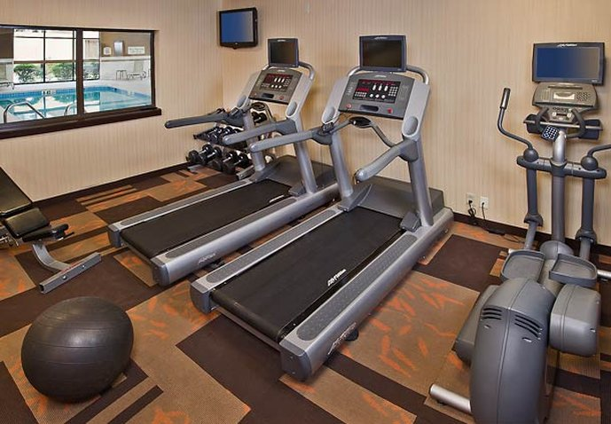 Courtyard Philadelphia Airport Fitness salonu