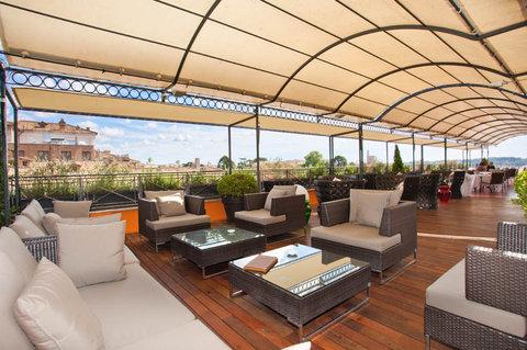 Hotel Bernini Bristol - Small Luxury Hotels of The World - Roof Top Terrace Bar L Olimpo