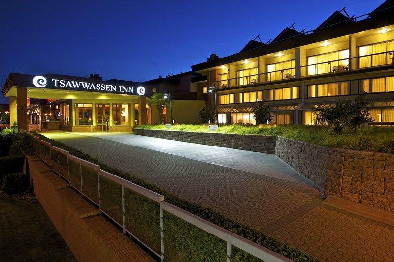 Coast Tsawwassen Inn Vista exterior