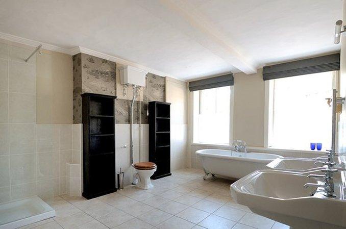 The William Cecil Hotel Suite