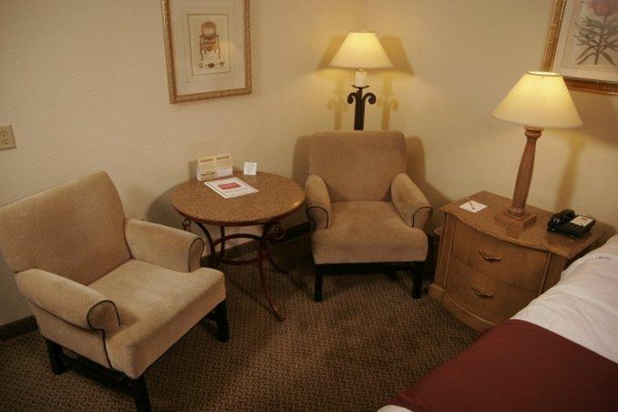 Liv Inn Suites - Burnsville, MN