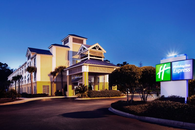 Holiday Inn Express CHARLESTON US HWY 17 & I-526 - Charleston, SC