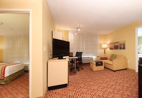 TownePlace Suites Albany Downtown Medical Center Hotel - Two-Bedroom Suite