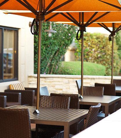 Courtyard Albany Thruway - Bistro Patio Seating