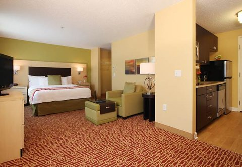 TownePlace Suites Albany Downtown Medical Center Hotel - Queen Studio Suite