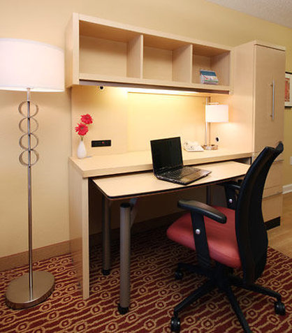 TownePlace Suites Albany Downtown Medical Center Hotel - Home Office