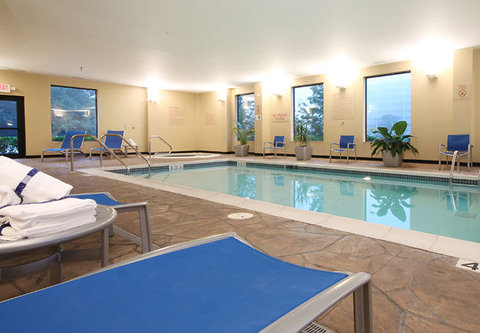 TownePlace Suites Albany Downtown Medical Center Hotel - Indoor Heated Pool